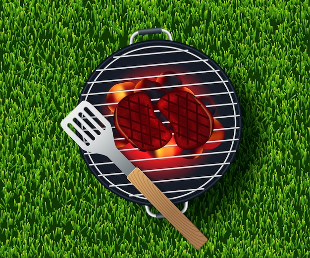 Piquenique de verão na grama com cesta, prato vazio branco e acessórios