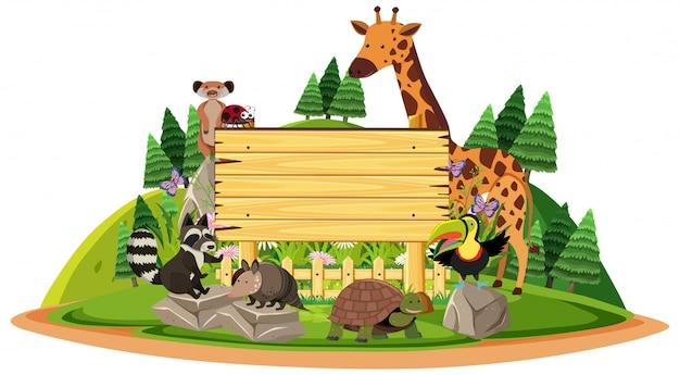 Placa de madeira com animais selvagens
