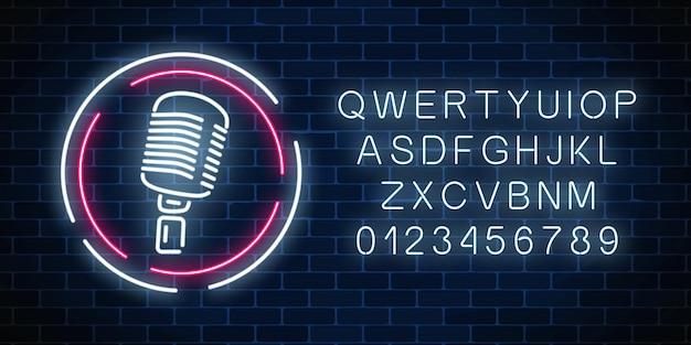 Placa de néon com microfone com alfabeto