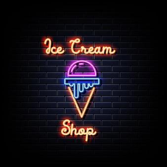 Placa de néon da sorveteria na parede preta