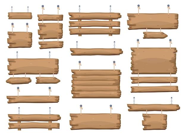 Placas de sinalização de madeira penduradas em correntes e cordas