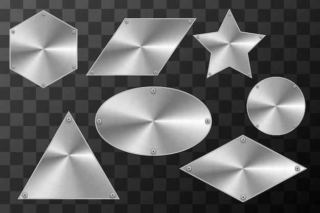 Placas industriais de metal brilhante em diferentes formas