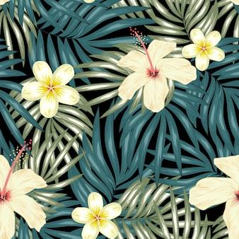 Plumeria de hibisco tropical com padrão sem emenda de palma