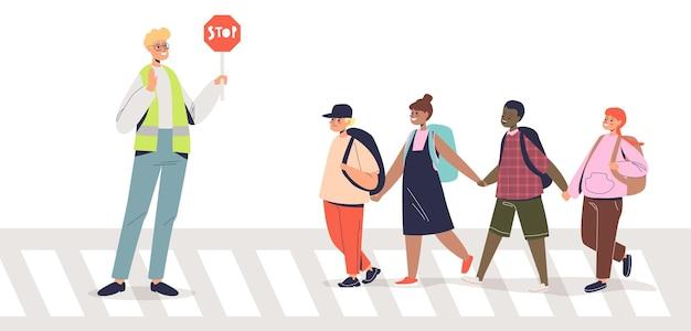 Policial ajudando crianças a atravessar a rua segurando a placa de pare. segurança para crianças no conceito de rua. controlador de trânsito de rua e crianças. ilustração em vetor plana dos desenhos animados