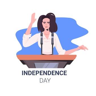Política feminina fazendo discurso na tribuna com a bandeira dos eua, cartão de comemoração do dia da independência americana de 4 de julho
