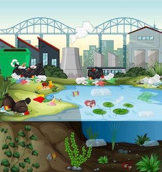 Poluição da água com sacos plásticos no rio