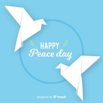 Pombas feitas de origami para o dia da paz