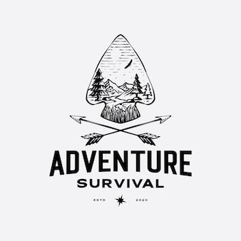 Ponta de lança e flecha com cenário ao ar livre para modelo de logotipo de aventura retrô