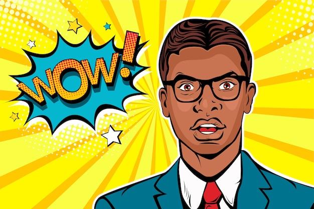 Pop art afro americana homem surpreendido com a boca aberta e wow