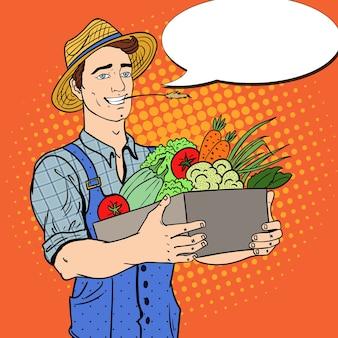Pop art agricultor feliz segurando a cesta com legumes frescos