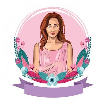 Pop art bonito e jovem mulher dos desenhos animados