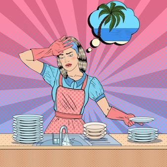 Pop art entediada mulher lavando pratos e sonhando com férias tropicais