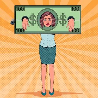 Pop art mulher estressada, prisioneira de dinheiro