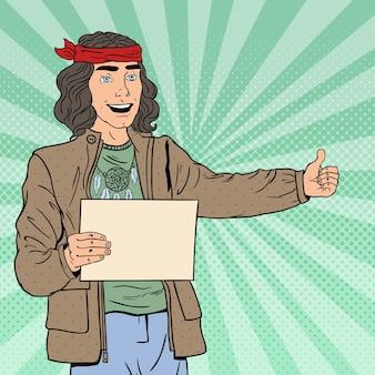 Pop art sorrindo hitchhiking hipster tourist com folha em branco.