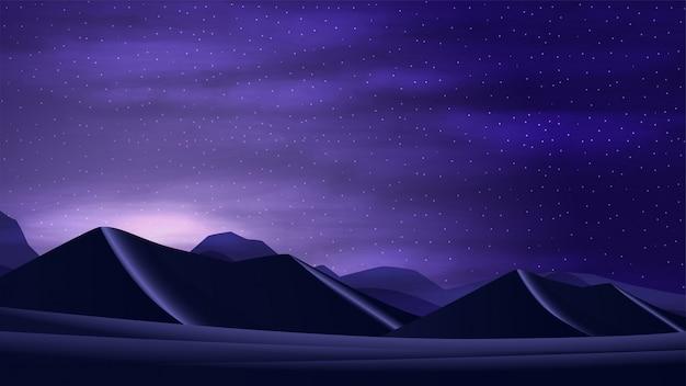 Por do sol no deserto com dunas de areia, céu estrelado da nuvem e montanhas no horizonte.