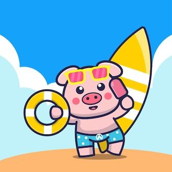 Porco fofo segurando um ringue de natação com sorvete e uma ilustração dos desenhos animados da prancha de surf
