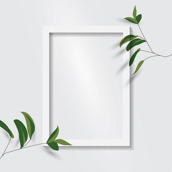Porta-retrato em branco branco. moldura para retrato branca vazia isolada.