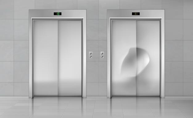Portas do elevador, elevador próximo cabine nova e danificada