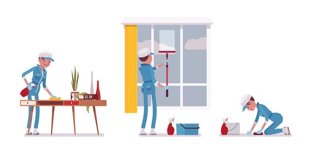 Porteiro feminino limpando dentro de casa