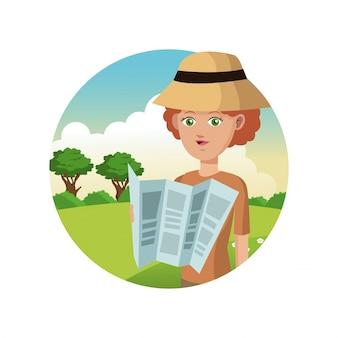 Portrait woman turista, viajante, mapa, paisagem, fundo