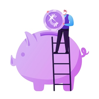 Poupança fundo de pensão, seguros. pequeno homem idoso em pé na escada coloque uma moeda enorme no cofrinho