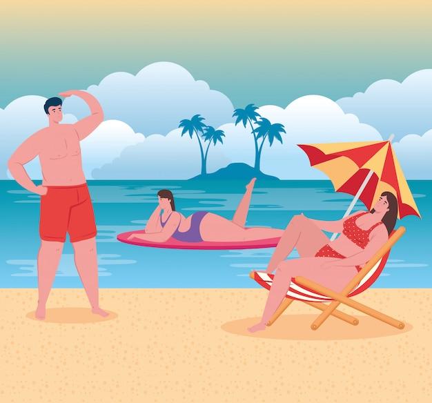 Praia com pessoas, homens e mulheres na praia, férias de verão e conceito de turismo