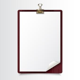 Prancheta de madeira com folha de papel branco em branco