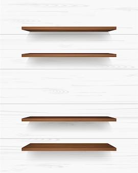 Prateleira de madeira na parede branca.