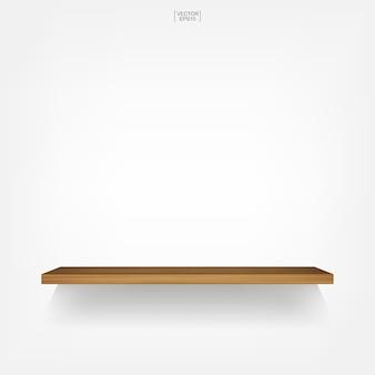 Prateleira de madeira vazia no fundo branco com sombra suave.