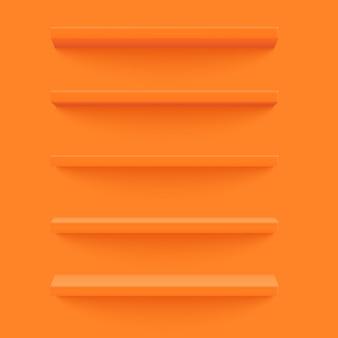 Prateleira laranja na parede amarela.