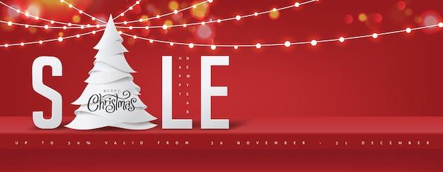 Prateleira vermelha de fundo de banner de venda de natal na parede para exibição e luzes brilhantes