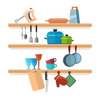 Prateleiras de cozinha com ferramentas de cozinha
