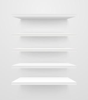 Prateleiras vazias brancas na parede branca. maquete de vetor
