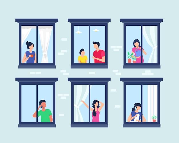 Prédio de apartamentos com pessoas na janela aberta