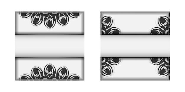 Preparando um convite com um lugar para seu texto e padrões pretos. modelo para cartões postais de design de impressão cores brancas com ornamento de mandala.