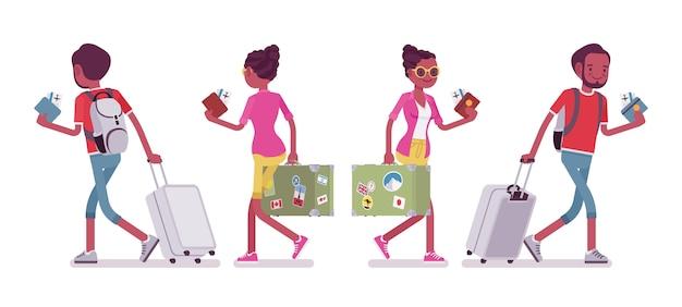 Preto masculino e feminino turista andando