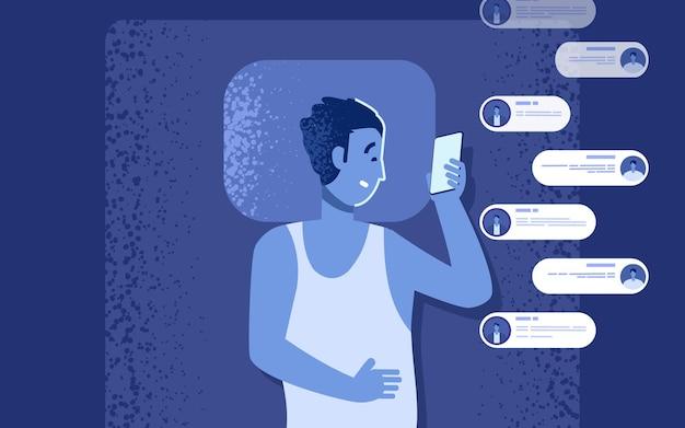 Problema de dependência de gadgets. homem na cama com smartphone conversando à noite em vez de dormir