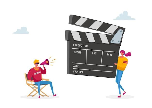 Processo de produção de filme com o personagem do diretor usando um megafone