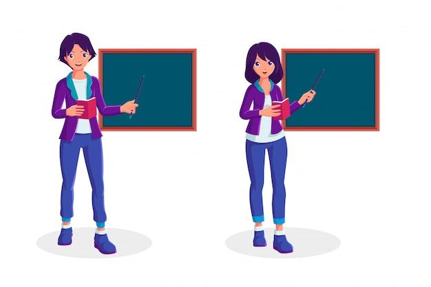 Professor masculino e feminino em pé na frente do quadro-negro