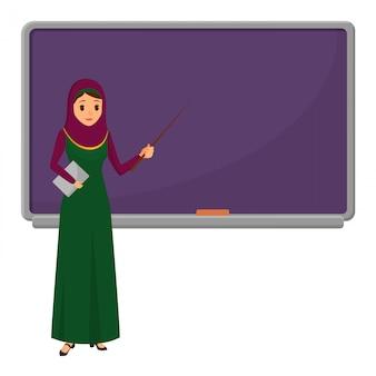 Professora de mulher muçulmana perto de quadro-negro