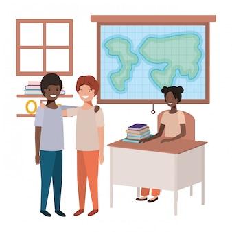 Professora na aula de geografia com alunos