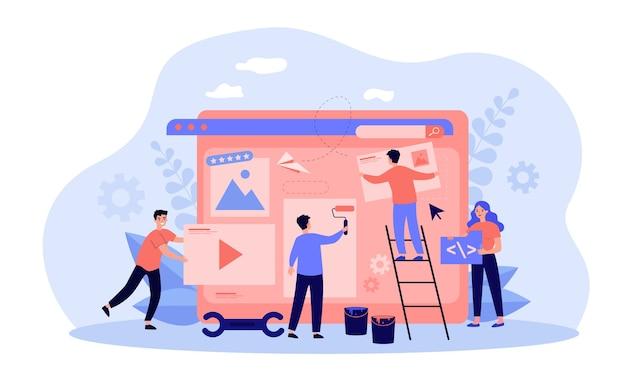 Profissionais minúsculos trabalhando no design de sites ou blogs