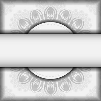 Projete seu convite com espaço para seu texto e padrões pretos. projeto pronto para imprimir de vetor de cartão postal cores brancas com mandalas.