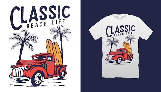 Projeto clássico do tshirt da vida na praia do carro