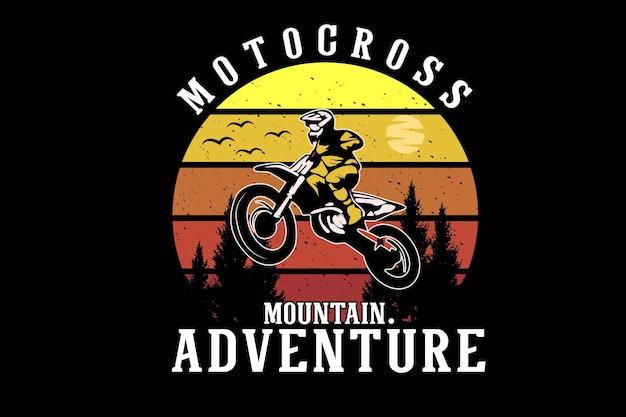 Projeto da silhueta do motocross de aventura na montanha