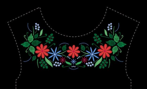 Projeto de bordado de ponto cetim com flores. linha popular floral padrão na moda para o decote do vestido. ornamento de moda étnica para pescoço em fundo preto.