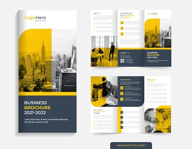 Projeto de brochura corporativa com três dobras, formas mínimas, vetor premium