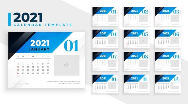 Projeto do calendário do ano novo 2021 no estilo de formas geométricas em azul