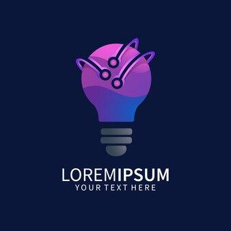 Projeto do logotipo da lâmpada com tecnologia isolada em azul escuro