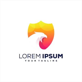 Projeto do logotipo gradiente do falcão escudo